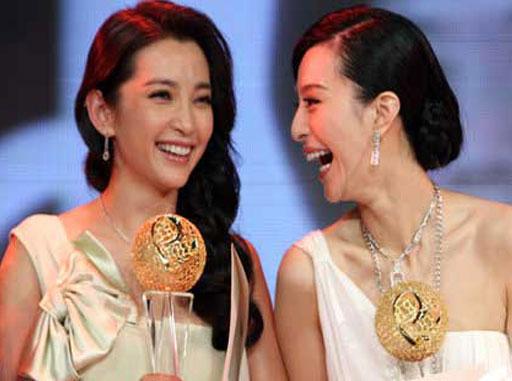 奥斯卡颁奖典礼范冰冰受邀走红毯 双冰不同台