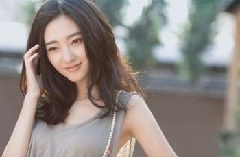王丽坤被封素颜女神 拼命三娘感动前跳水冠军